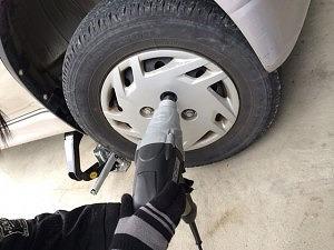 子供と一緒に車のタイヤ交換をするということ