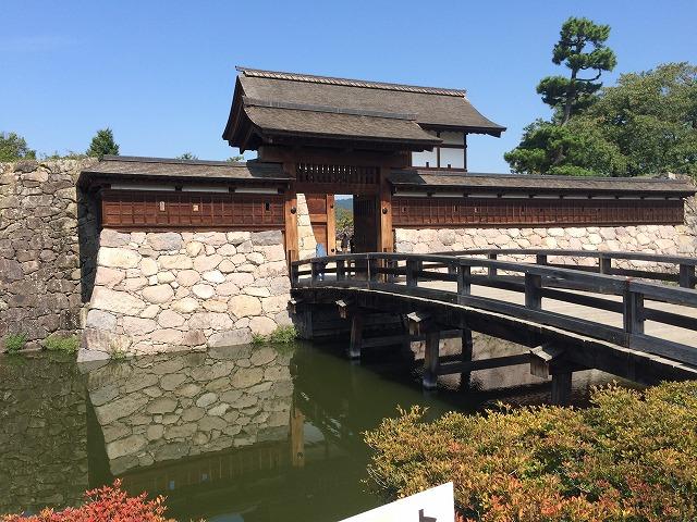 武田信玄の居城「海津城」は後に「松代城」とされ真田家が統治。現在は広大な観光スポットになっていた