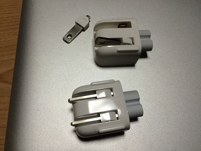 MacBookの充電器をおとしたらコンセント部分がもげたので代替品を買ってみた結果