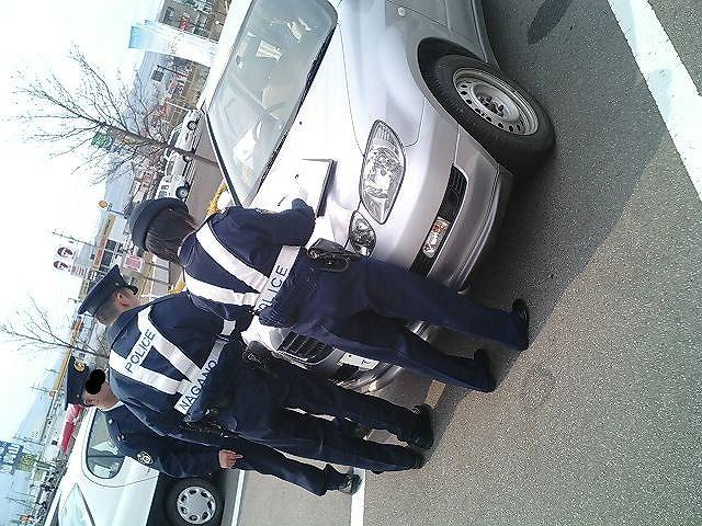 車にイタズラされてパンクしたので警察を呼んだ時の話